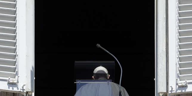 Violences sexuelles: le pape François condamne, les victimes demandent des actes