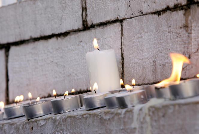 A Nice, le 26 février 2006, hommage àIlan Halimi, assassiné quelques jours auparavant parce qu'il était juif.