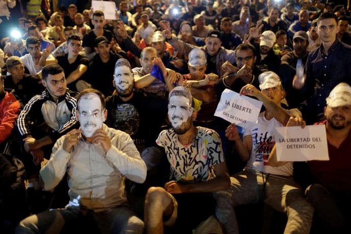 Manifestation pour demander la libération du chef de file du mouvement Hirak, Nasser Zefzafi, à Al-Hoceima (Maroc), en mai2017.