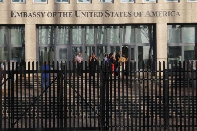 Devant l'ambassade des Etats-Unis à La Havane, Cuba, le 22 août.