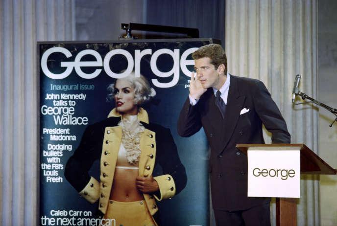 John F. Kennedy Jr., le 7 septembre 1995, lors du lancement du magazine «George» à New York.