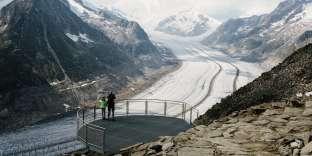 La plateforme de l'Eggishornoffre une vue panoramique sur le glacier d'Aletsch,en Suisse.