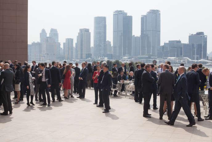 Chaque année l'IBA (International Bar Association), la plus influente organisation d'avocats au monde, organise l'International Arbitration Days, où sont discutés les derniers développements concernant les pratiques de l'arbitrage. En 2016, c'est Shanghai qui avait été choisie comme ville hôte de l'événement.