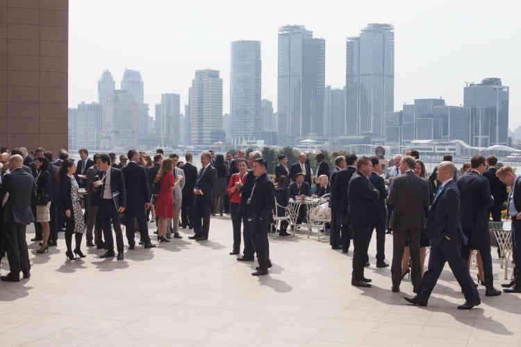 Chaque année l'IBA (International Bar Association), la plus influente organisation d'avocats au monde, organise l'International Arbitration Days, où sont discutés les derniers développements concernant les pratiques de l'arbitrage. En 2016, Shanghai avait été choisie comme ville hôte de l'événement.