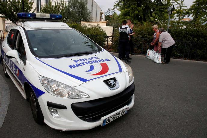 Une voiture de police à Trappes, le 23 août 2018.