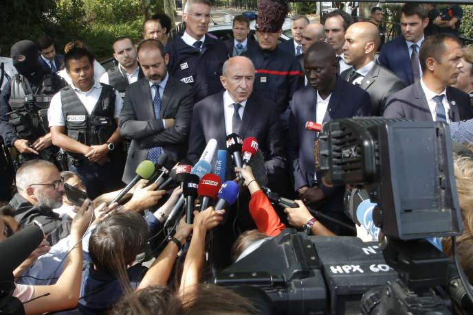 Le ministre de l'intérieur, Gérard Collomb, après l'attaque de Trappes (Yvelines), le 23 août 2018.