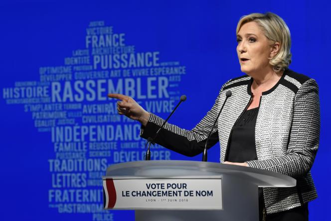 La présidente du Rassemblement national, Marine Le Pen, lors du congrès du parti le 1er juin 2018 à Bron.