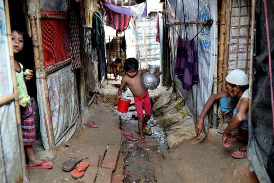 Dans un camp de réfugiés rohingya à Cox's Bazar, au Bangladesh, le 24août.