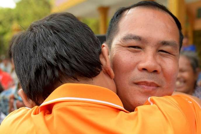 L'ancien député du parti de l'opposition CNRP Um Sam An après sa libération, le 25 août, à Phnom Penh.