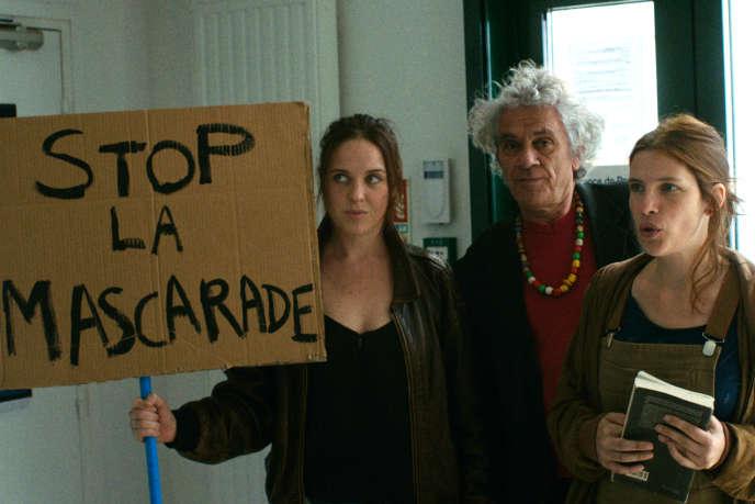 Claire Dumas, Patrick Belland et Judith Davis dans« Ce qui me reste de la révolution», de Judith Davis.
