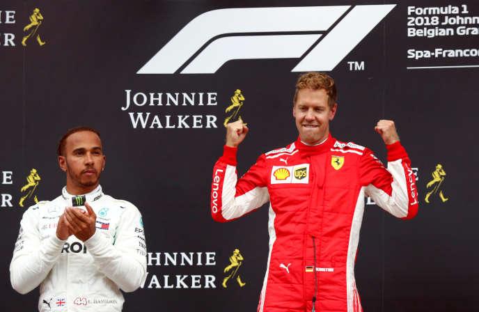 Sebastian Vettel (Ferrari), vainqueur du Grand Prix de Belgique le 26août devant l'autre quadruple champion du monde du plateau,Lewis Hamilton (Mercedes).