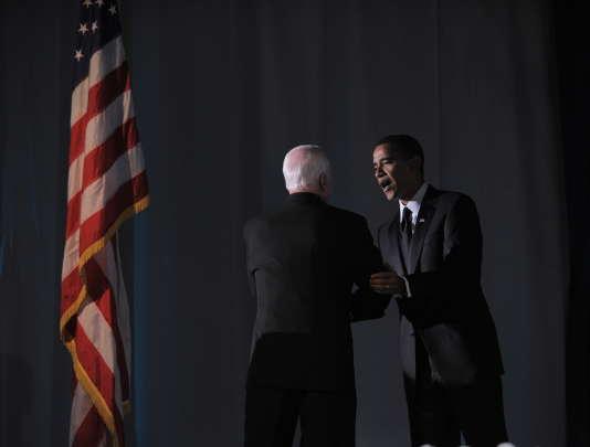 John McCain et le président élu Barack Obama, à Washington, le 19 janvier 2009, la veille de l'investiture de M. Obama.