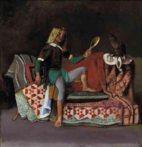 « Le chat et le miroir – deux motifs qui parcourent toute l'œuvre de Balthus – se trouvent réunis ici. Jusqu'à un âge avancé, Balthus n'a jamais renoncé à la peinture et a continué de réaliser des tableaux qui, avec leurs couleurs saturées, leurs étoffes tantôt lourdes tantôt délicates et leurs motifs caractéristiques, témoignent toujours aussi fortement de sa maestria.»