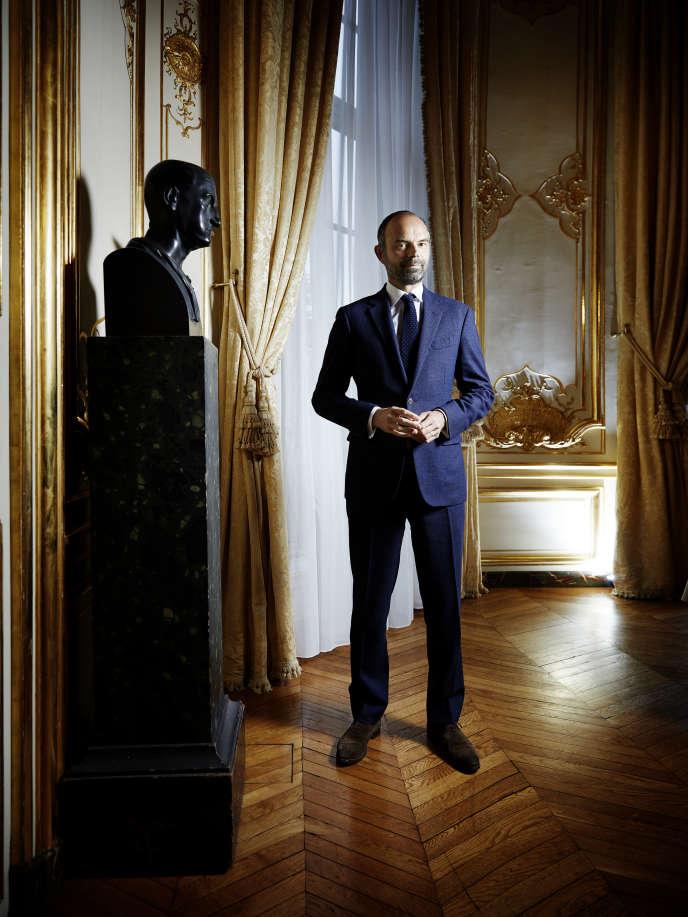 Edouard Philippe, dans son bureau de l'hôtel Matignon, en mai.