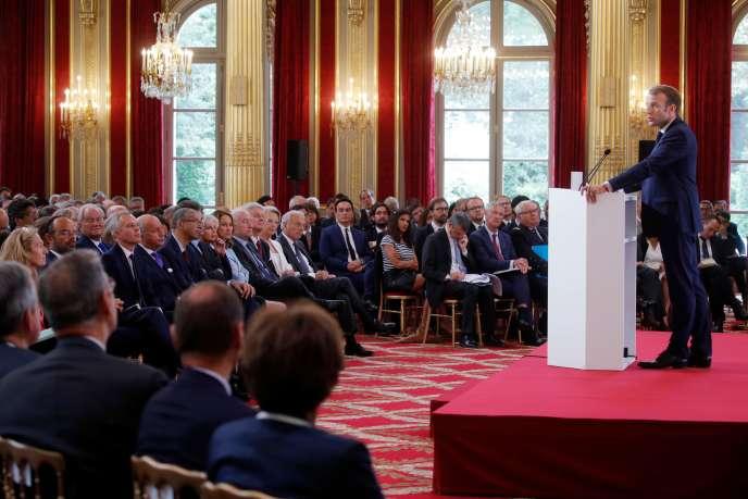Emmanuel Macron devant les ambassadeurs, lundi 27 août à l'Elysée.