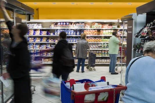 Avec le textile, la grande distribution est le secteur le plus en souffrance, come la chaîne de supermarchés Carrefour.