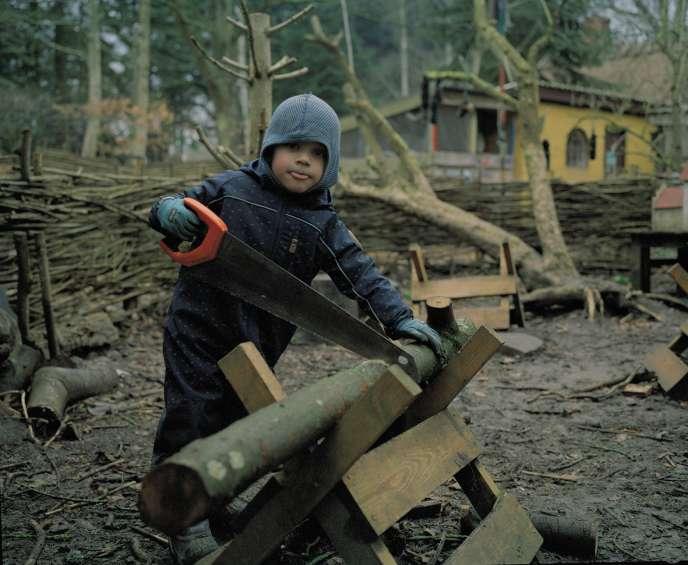 Bertram, 4 ans,à l'école maternelle Skoven, sur l'île de Lolland, au Danemark.