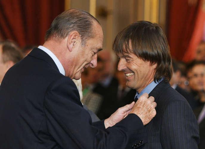 Remise de l'Ordre national du mérite par le président Jacques Chirac, le 17 février 2003.