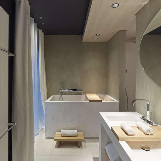 Le bain japonais de l'hôtel de Nell, une expérience unique à Paris.
