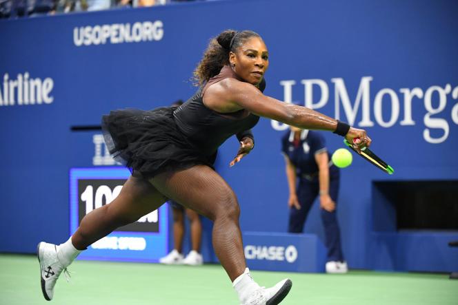 Serena Williams en tutu et collants résille à l'US Open, le 27 août, à New York.