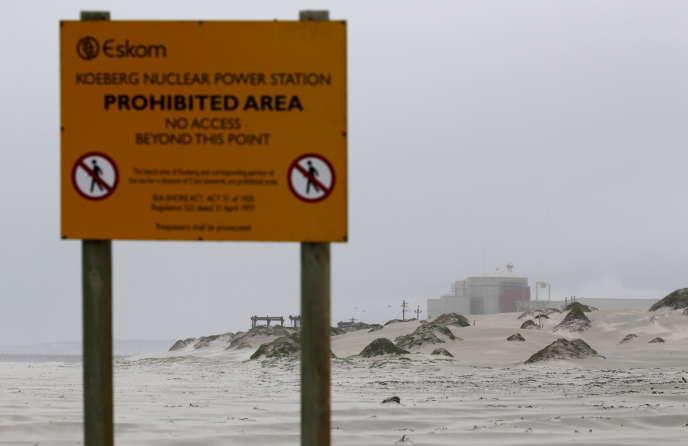 Devant la centrale nucléaire de Koeberg, près du Cap, en août 2015.