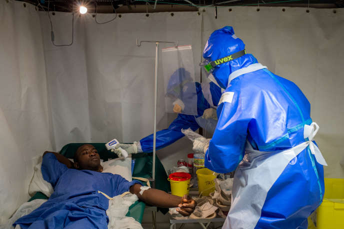 A Conakry, en Guinée, lors de l'épidémie à virus Ebola qui a touché l'Afrique de l'Ouest entre 2014 et 2016.