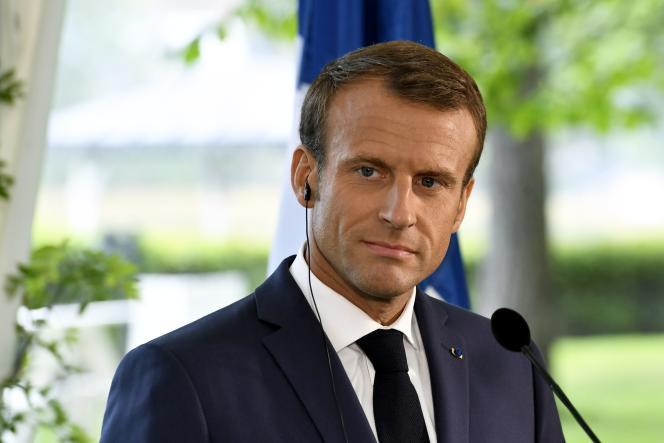 Le président de la République Emmanuel Macron lors d'une conférence de presse à Helsinki, le 30 août 2018.