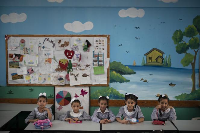dans une école de Gaza financée par l'agence des Nations unies chargée des réfugiés palestiniens (UNRWA), le 29 août 2018.