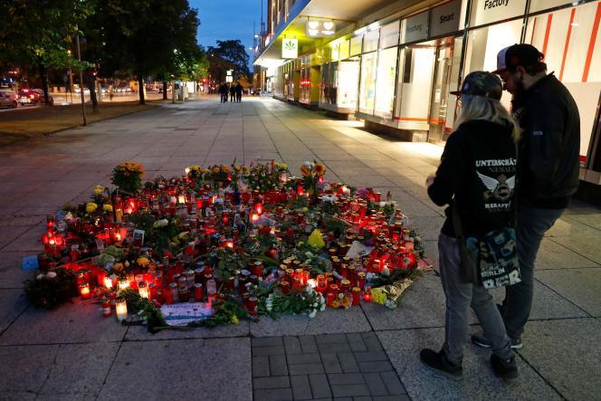 Hommage à l'homme poignardé à Chemnitz.