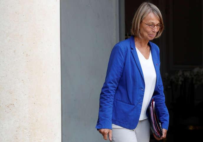 Francoise Nyssen, la ministre de la culture, sur le perron de l'Elysée, le 31 août.