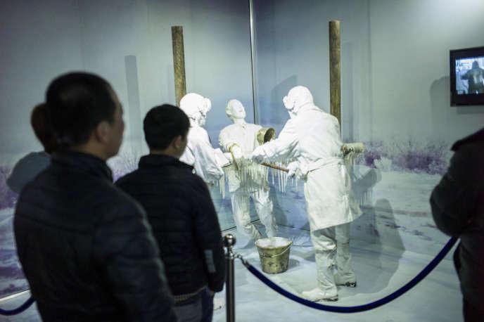 Présentation d'une expérience menée sur des cobayes humains par les scientifiques japonais de l'Unité 731, au musée de Harbin (Chine), en 2015.