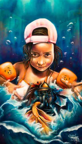 Née en 1984, Jessy Monlouis-Bonnaire (alias Doudou'Style) est une artiste autodidacte dont le style reste marqué par celui, très populaire, des mangas japonais. Choisissant ici des couleurs réalistes, elle dépeint, dans une mise en page serrée, une enfant qui s'apprête à nager.