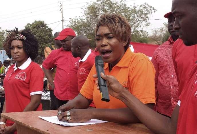 La militante burkinabée Safiatou Lopez, à Bobo-Dioulasso, en février 2015.