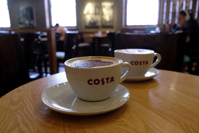 Un café Costa à Loughborough, en Angleterre, le 25 avril.