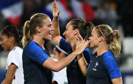Amandine Henry, Gaëtane Thiney et Eugénie Le Sommer, lors de la victoire de la France, contre le Mexique, le 1er septembre 2018.