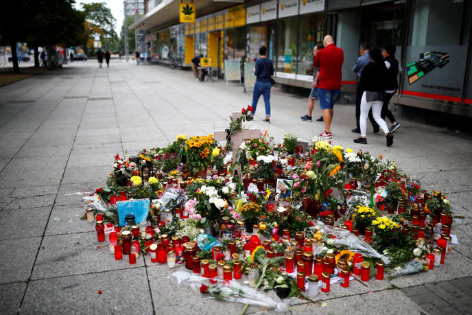Sur les lieux de l'agression qui a coûté la vie à un Allemand de 35 ans dans la nuit du 25 au 26 août, à Chemnitz.