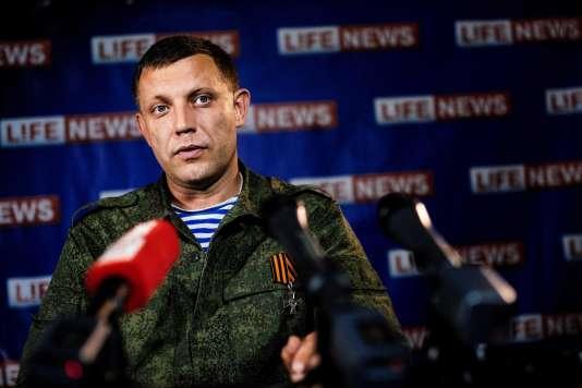 Le principal chef des séparatistes prorusses de l'est de l'Ukraine, Alexandre Zakhartchenko, ici en août 2015, a été tué le 31 août.