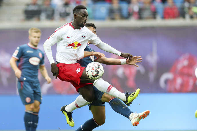 Jean-Kévin Augustin, au sein de l'équipe de Leipzig face à Dusseldorf en Bundesliga, dimanche2septembre.