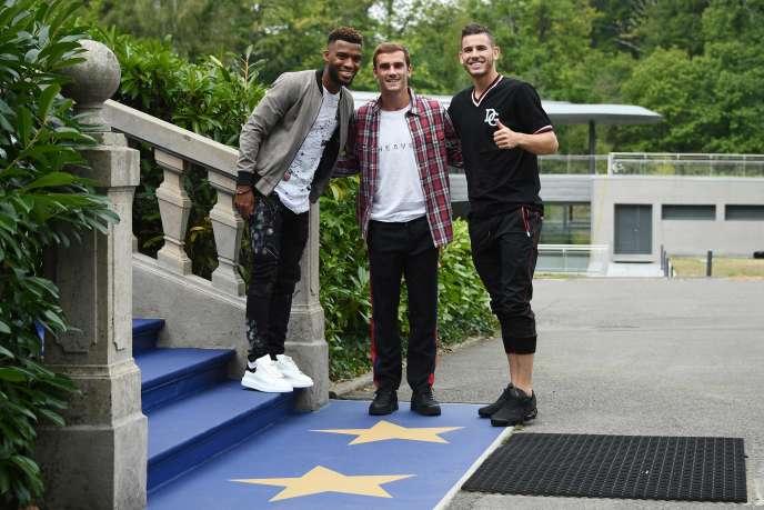 Partenaires à l'Atlético Madrid, Thomas Lemar, Antoine Griezmann and Lucas Hernandez ont retrouvé, lundi 3 septembre, le château de Clairefontaine, le quartier général des Bleus.