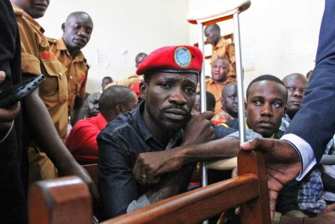 L'opposant ougandais Robert Kyagulanyi, alias Bobi Wine, au tribunal de Gulu, le 27août 2018.