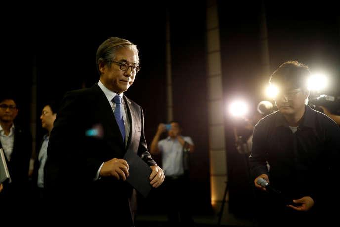 Kim Hyo-joon, président de BMW en Corée du Sud, lors d'une conférence de presse, àSéoul, le 6 août.