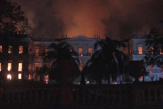 Incendie, dimanche 2 septembre, du musée national de Rio de Janeiro (Brésil)