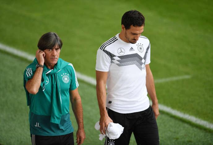 Joachim Löw et Mats Hummel, en septembre 2018.