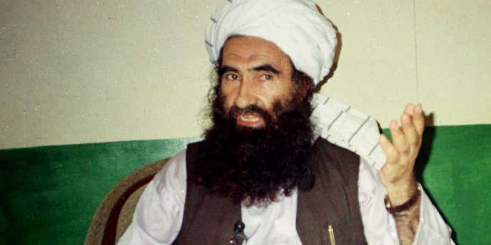 Jalaluddin Haqqani, ici en 1998, est le fondateur dans les années 1980 du réseau du même nom, constitué pour lutter contre la présence de l'URSS en Afghanistan. Il avait reçu l'aide des Etats-Unis et du Pakistan.