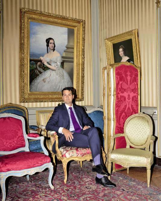 Charles Hooreman, antiquaire spécialisé dans le mobilier XVIIIe, à Paris, le 22 août.