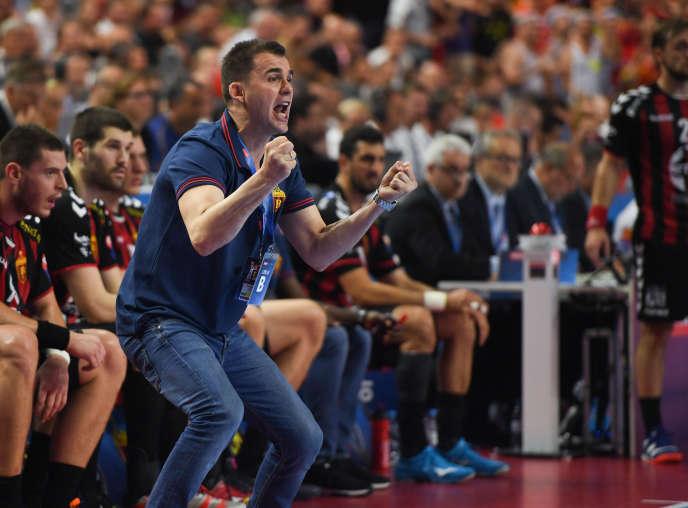 Après avoir porté le Vardar Skopje sur le toit de l'Europe, Raul Gonzalez a pour mission de faire de même avec le PSG.