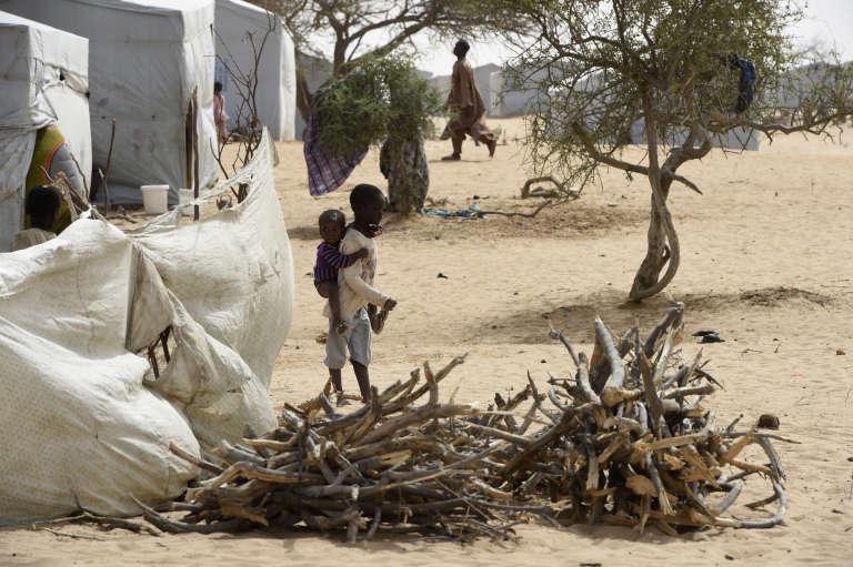 Des réfugiés nigérians dans le camp surnommé «Dar-es-Salam», près de Baga Sola, au Tchad, en avril 2015.