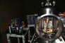 Cette balance de torsion de 90 centimètres de haut sert à mesurer la constance de gravitation universelle G.