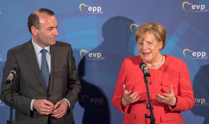Manfred Weber et Angela Merkel, à Munich, le 6juin 2018.