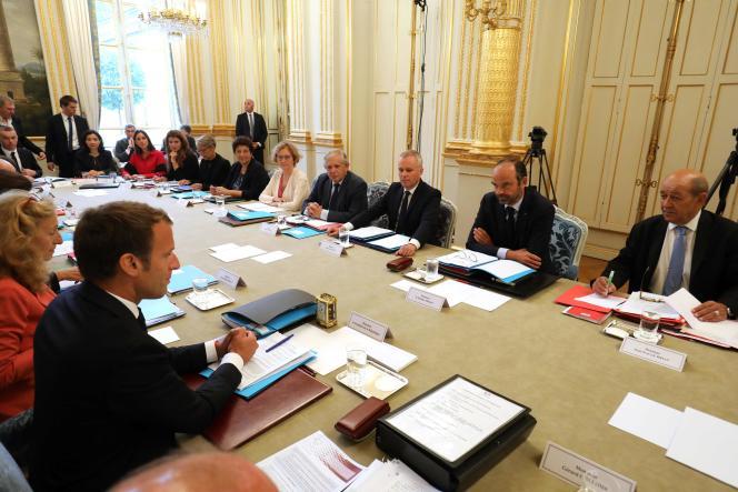 Francois de Rugy (troisième en partant de la droite), lors de son premier conseil des ministres, le 5 septembre à l'Elysée.